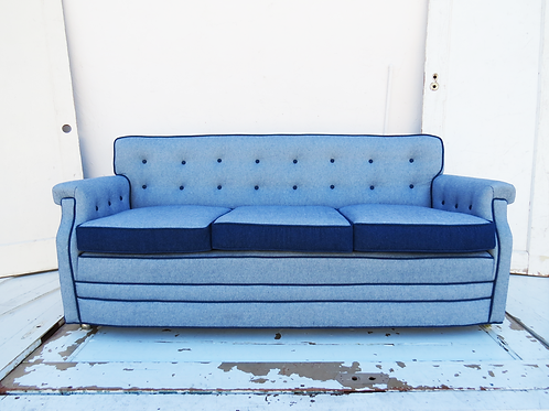 Dolly Vintage Couch