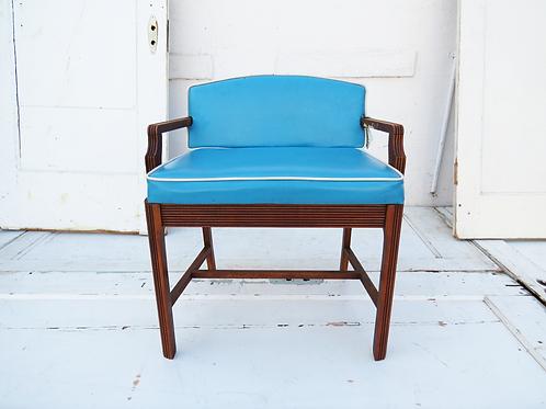 Skipper Chair