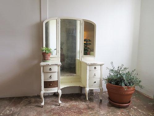 'Lola' White Vanity