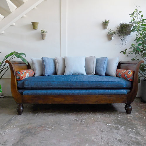 Transitional Daybed