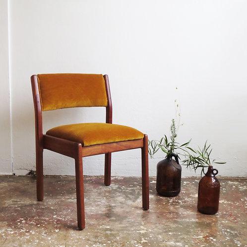 Hammond Velvet Chair