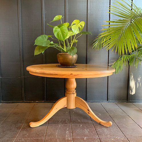 "Rustic Pine 47"" Round Dining Table"