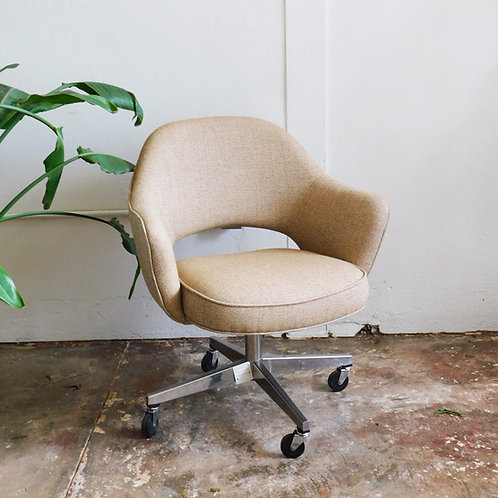 Mid Century Modern Eero Saarinen Office Chair
