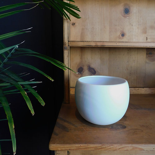 Luna White Ceramic Pot