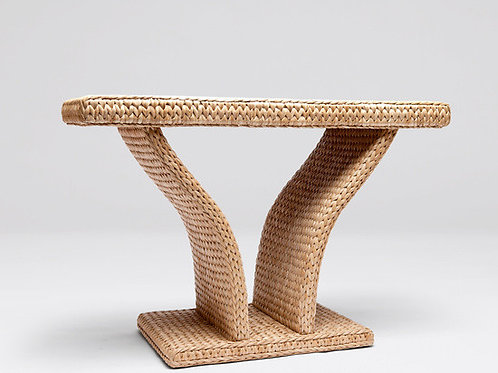 Console weaved like a sweater in seagrass