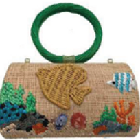 Bag in raffia embroidered fish w/ green handle