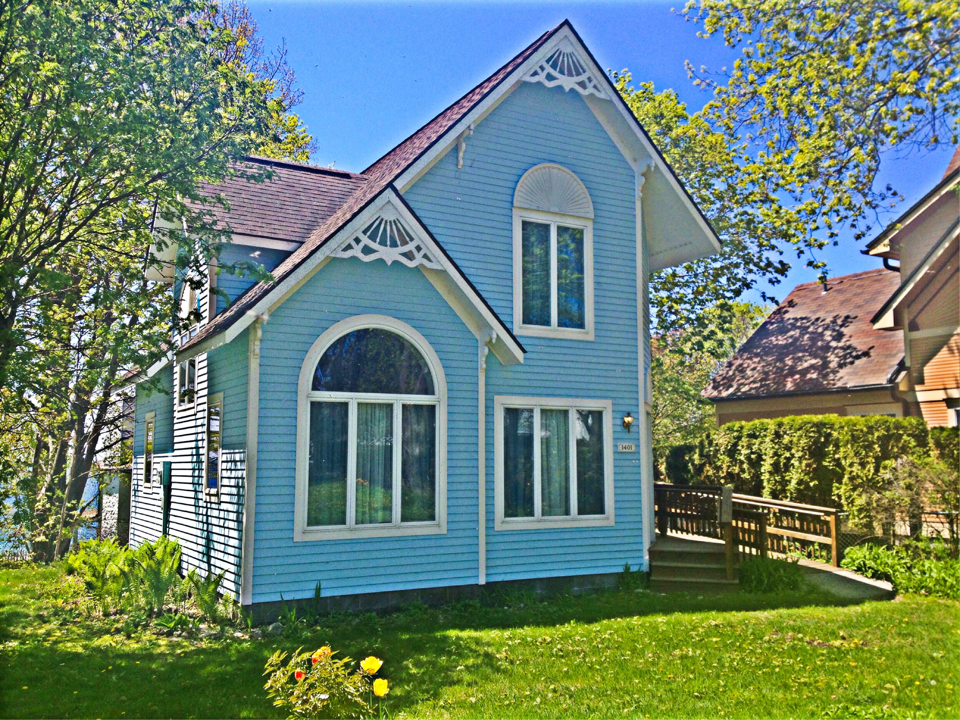 Dreamcatcher Cottage Front