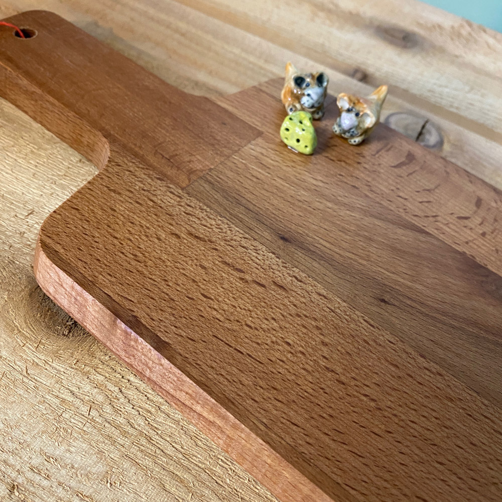 cute critter serving board