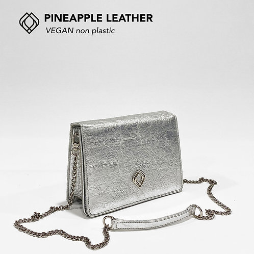 CLUTCH - Pineapple Leather - Silver
