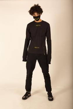 EXTRA LONGSLEEVE BLACK TEE P04