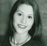 Sylvia Delluniversidad HeadShot.jpg