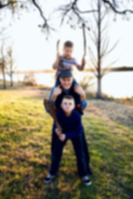 family pictures photographer 1.jpeg