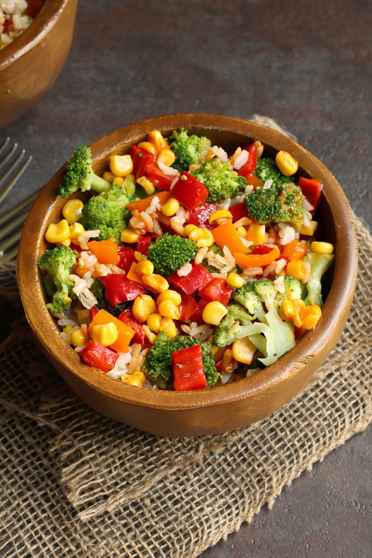 The-Vegan-8_Roasted-Broccoli-and-Rice-Bowl-with-Chipotle-Red-Pepper-Sauce-1236