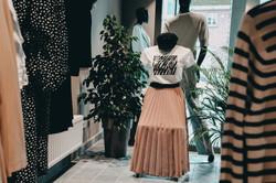 Schaufensterpuppe Printer Shirt Plissee Rock