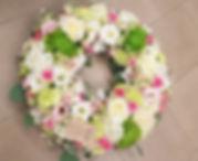 deuil - fleuriste deuil - livraison de fleurs enterrement - enterrement aigues-mortes - couronne - gerbe