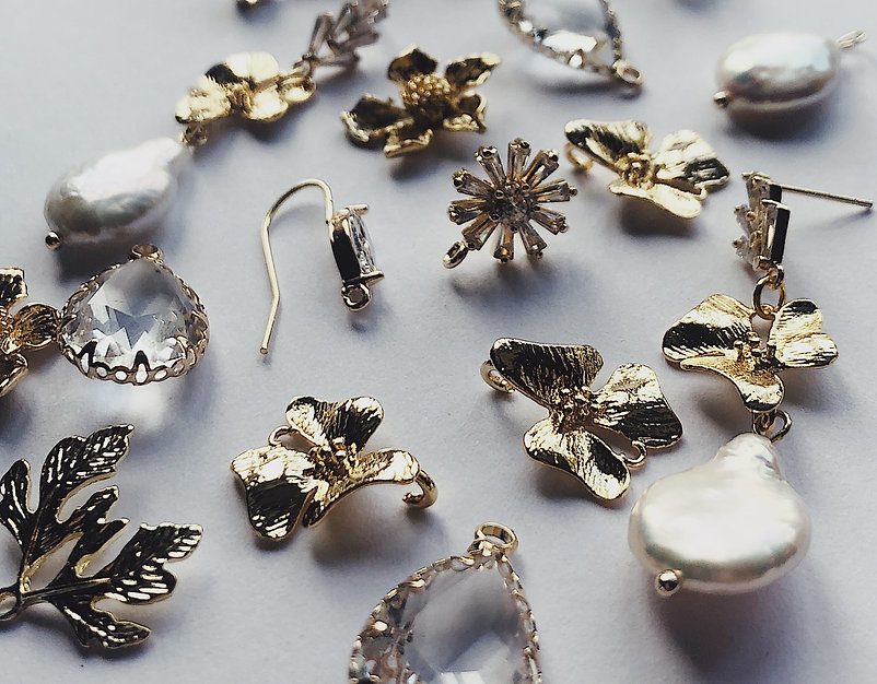 gold and pearl jewellery findings