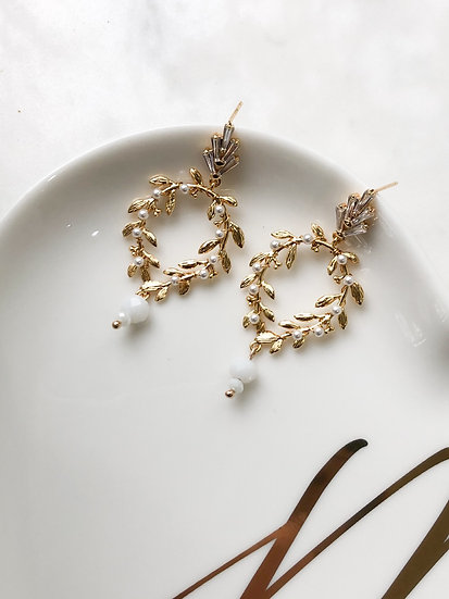 FLOURISH PEARL earrings