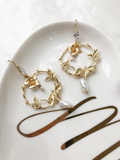 GARDENIA Gold Earrings