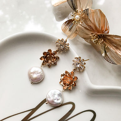 DAHLIA   Freshwater Pearl Earrings