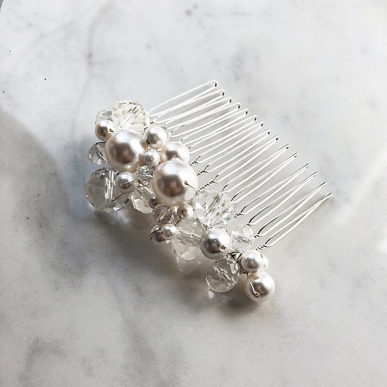 LUSTER Crystal & Pearl Comb