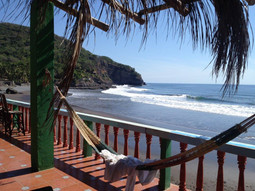 El Salvador surf+remote work trip
