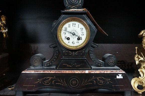 Каминен часовник мрамор