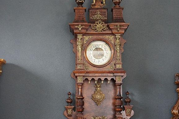 Стенен часовник бронз орнаменти