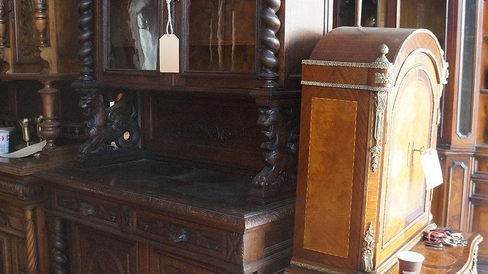Шкаф дърворезба