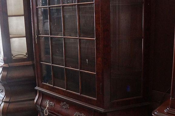 Античен италиански шкаф