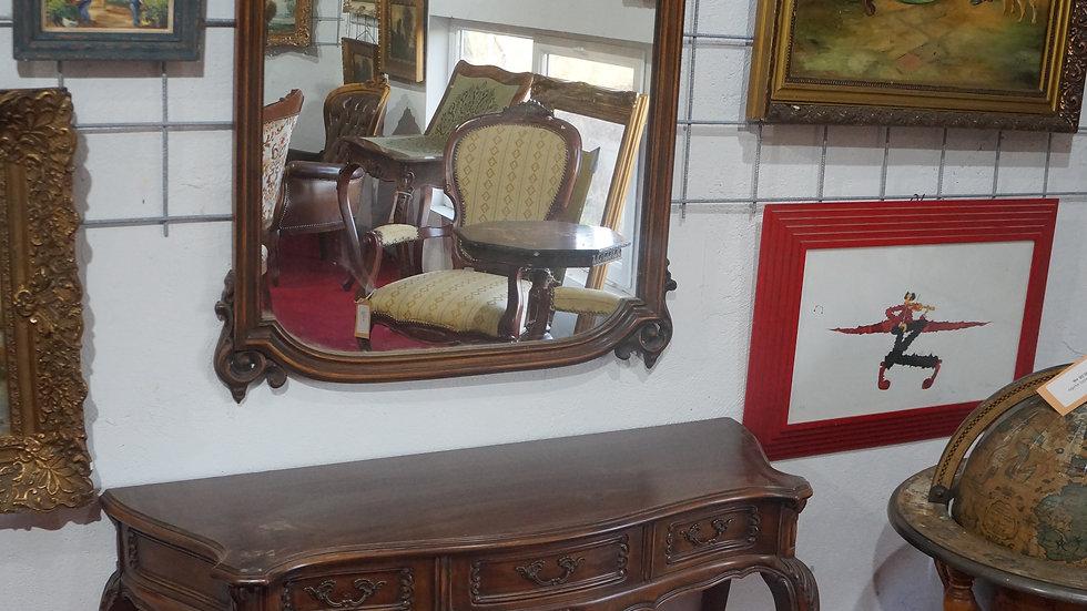 Тоалетка с огледало