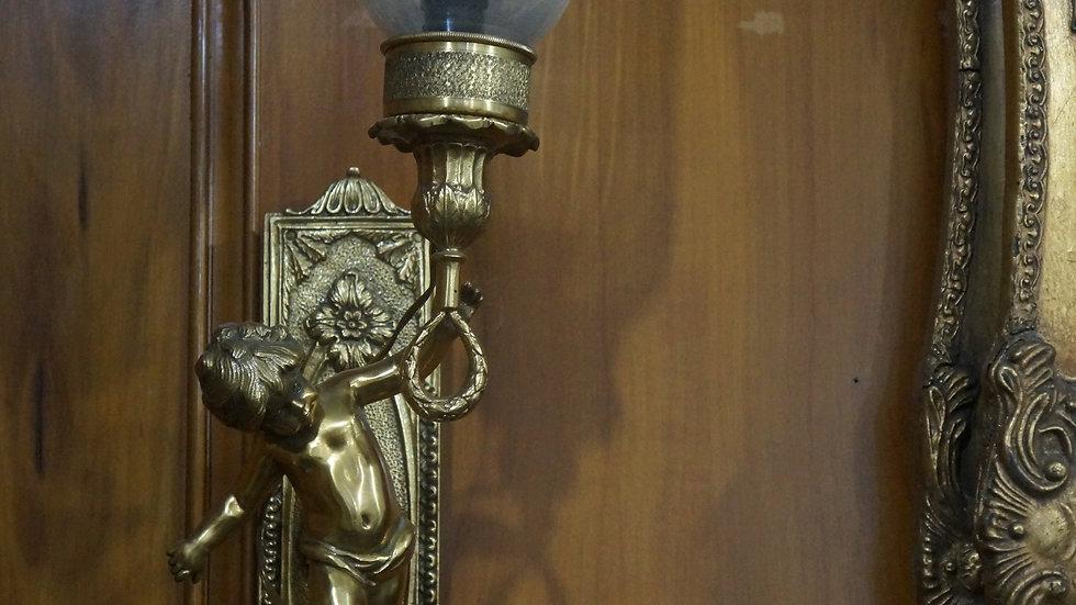 Лампа за стена