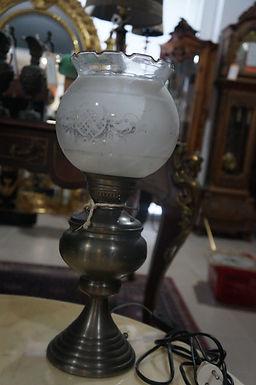 Настолна лампа
