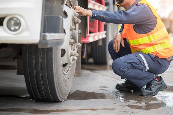truck-tire-mechanic.jpg