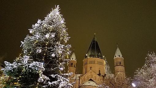 Church bells ringing at Christmas.png