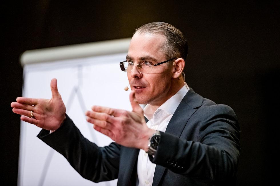 Worauf es bei besonders kühner Führung in digitalen Zeiten ankommt | Florian Hochenrieder