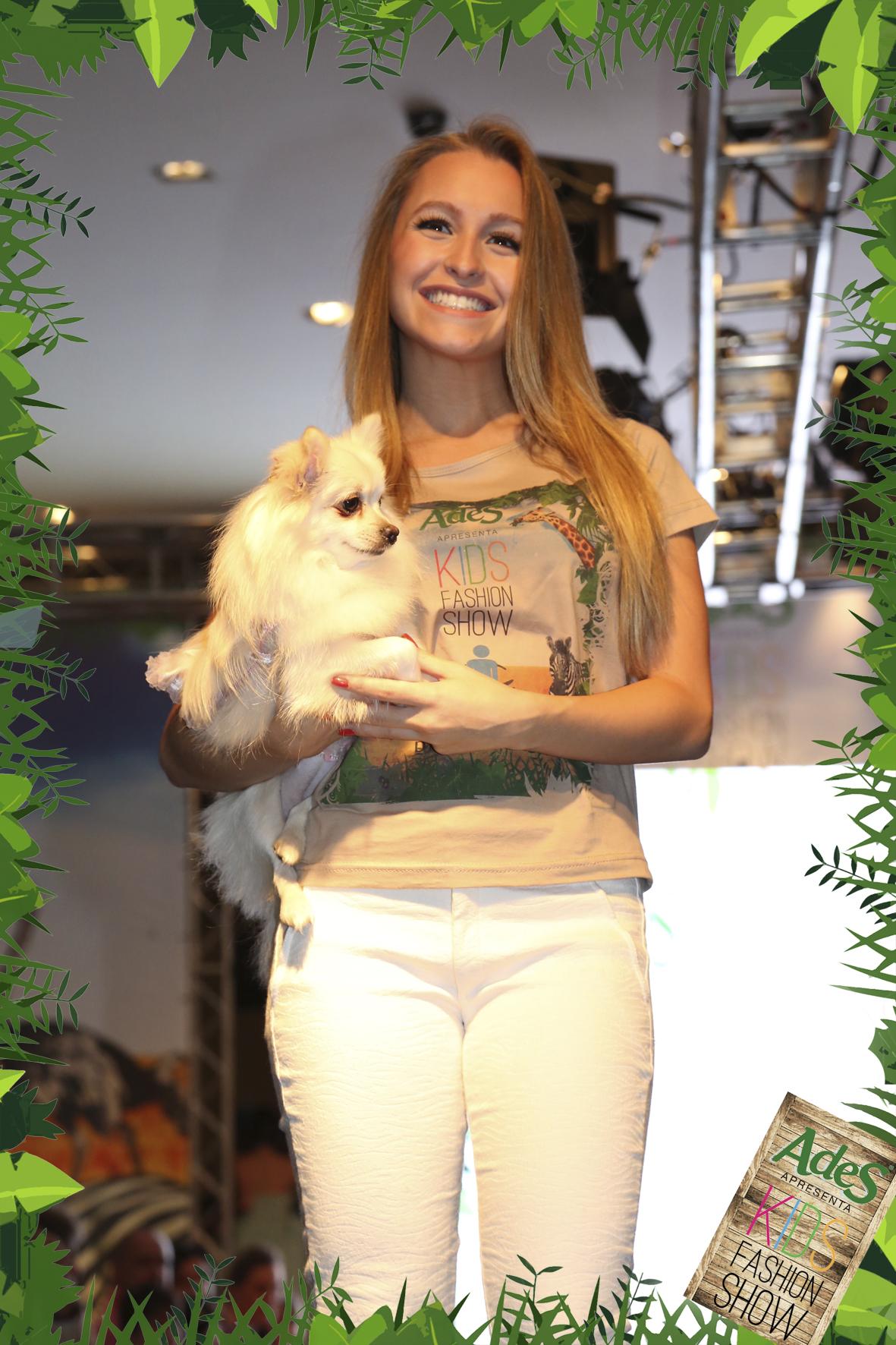 Carla-Diaz-Atriz-Desfile-Moda-Infantil