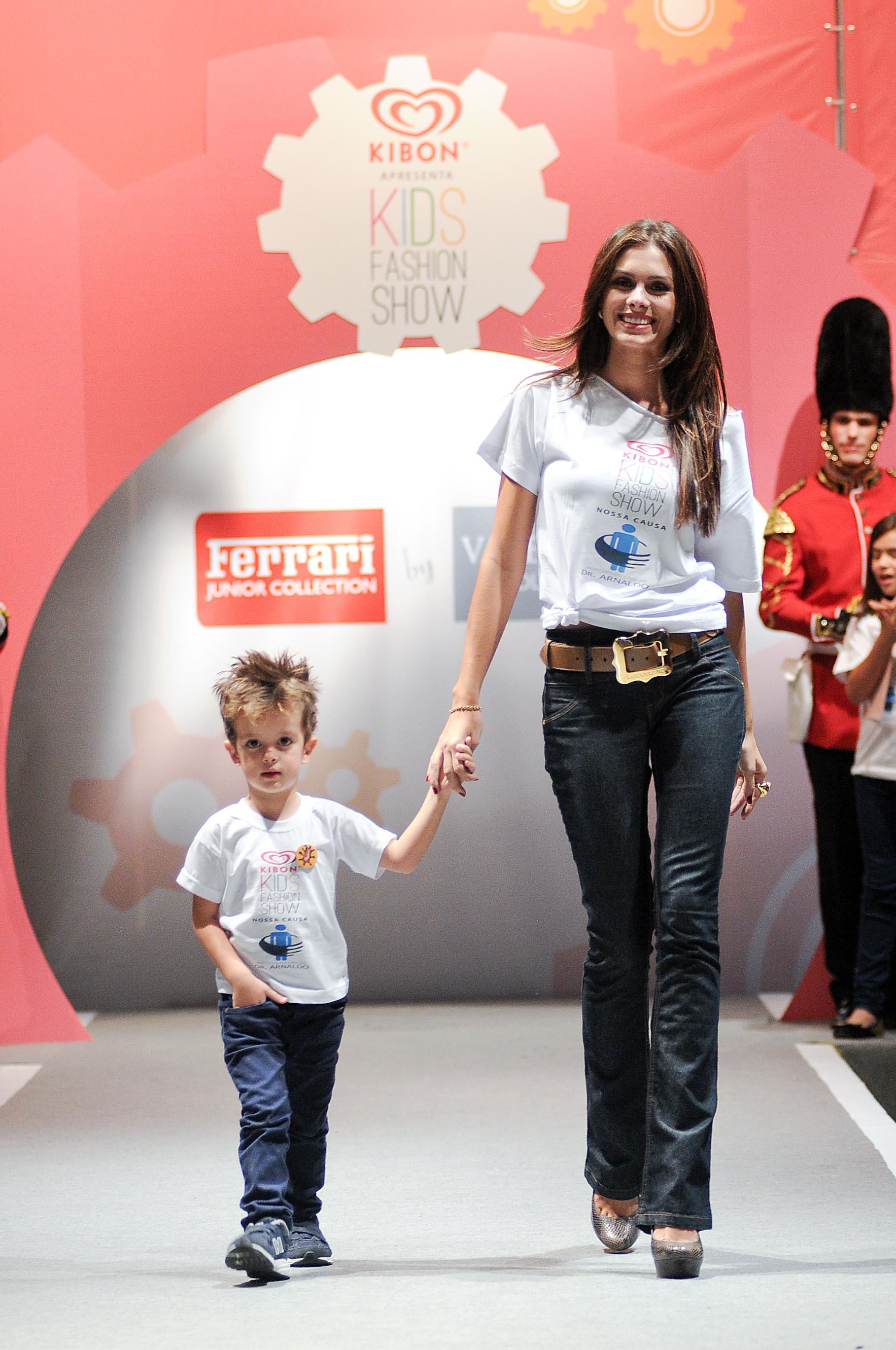 Gabriela-Markus-Desfile-Moda-Infantil-Ferrari