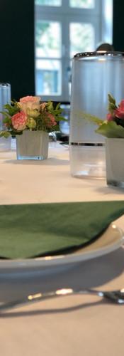 Gedeckter Tisch.jpeg