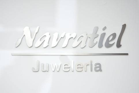 juweleria-navratiel-logo-metall.jpg