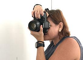 Juanita Ripepi Fotógrafa Tomando foto