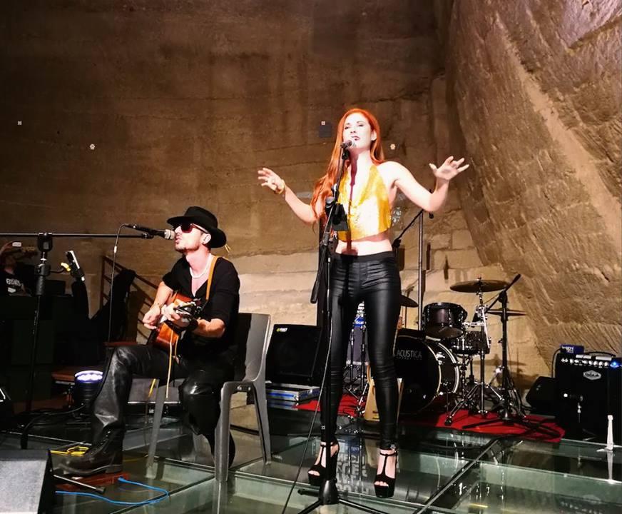 Ginny Vee & Roberto L Whiter Unplugged