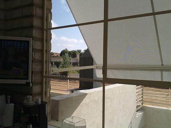 ניקוי חלונות בדירה - חלונות בלגיים