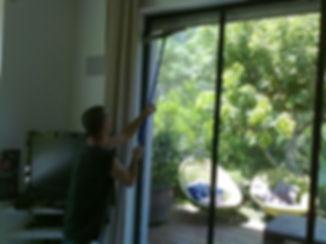 ניקוי חלונות בבית באמצעות מוטות