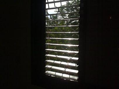 ניקוי חלונות ותריסים בדירה