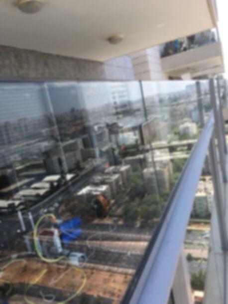 מרפסת שמש - שקוף ניקוי חלונות ומרפסות