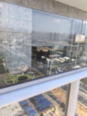 שקוף ניקוי חלונות