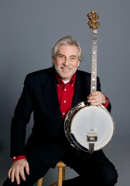 Holger med sin Trujo banjo. Foto: Ateljé Uggla 2009.