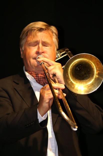 "Mr Trad Jazz, vännen trombonisten, sångaren, presentatören Jens ""Jesse"" Lindgren."