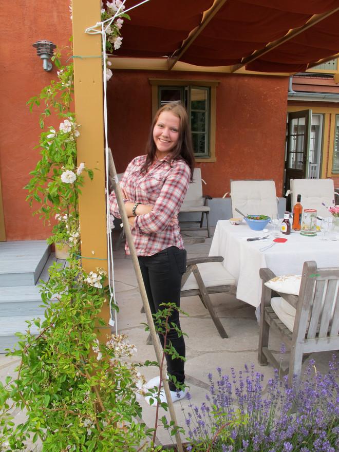 Alicia på kort besök i Burgsvik. Sommaren 2014.