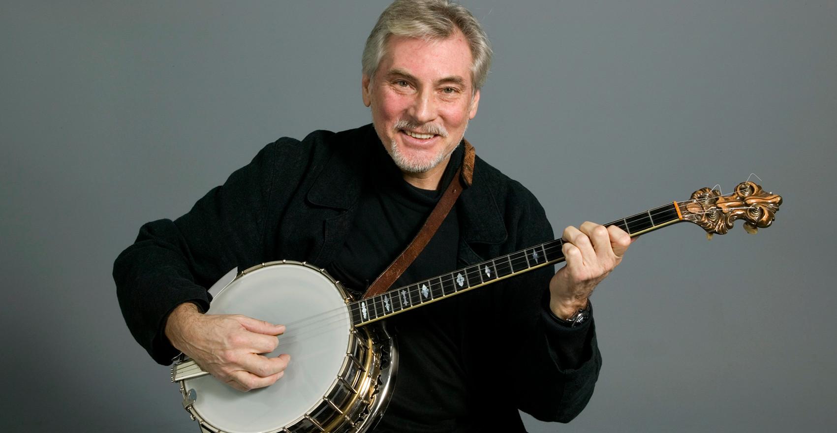 Holger Gross med sin Trujo banjo.. Foto: Ateljé Uggla.